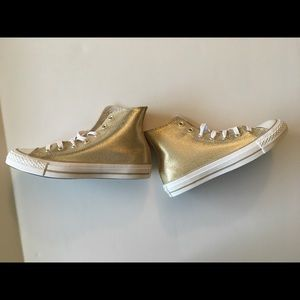 CONVERSE stingray metallic hi top,light gold, sz 6 NWT